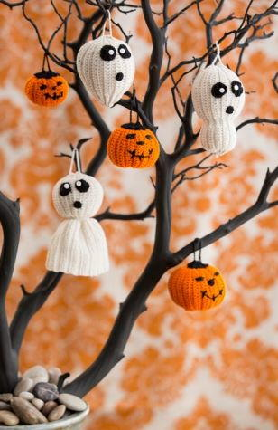 Spider Web Doilies AllFreeHolidayCraftscom - Large Halloween Ornaments