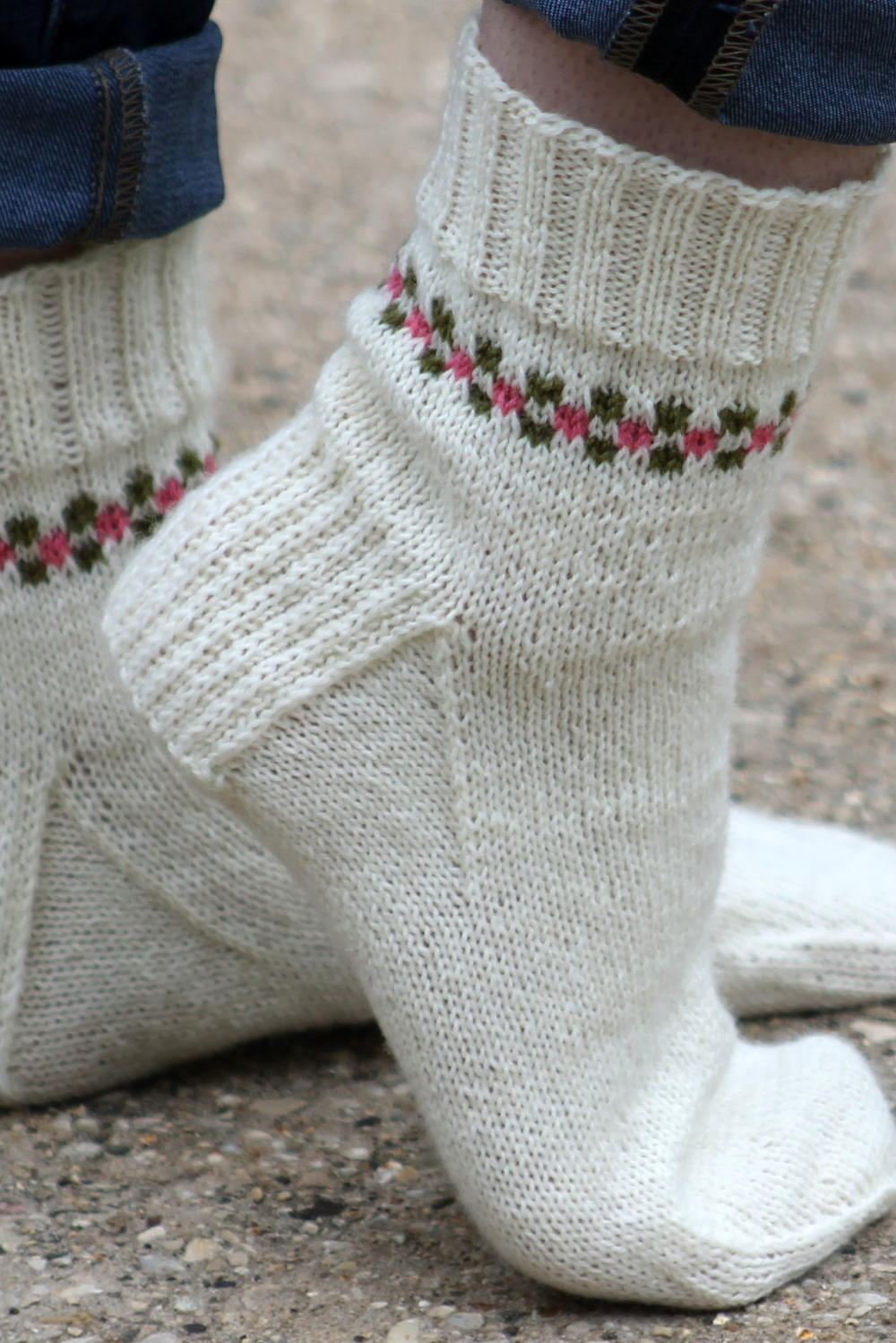 Nice Easy Knitted Sock Patterns Model - Easy Scarf Knitting Patterns ...