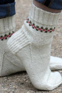 Pansy Path Knit Socks