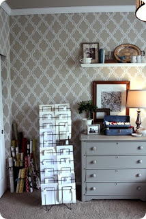 DIY Pretty Painted Wallpaper