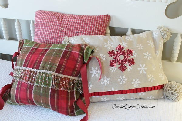 & Christmas Tea Towel Pillow Covers | AllFreeChristmasCrafts.com pillowsntoast.com