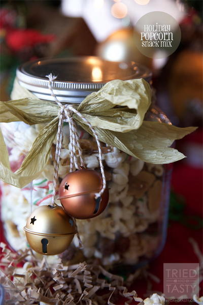 Holiday Popcorn Snack Mix