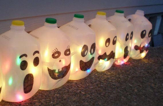 milk jug ghosts allfreeholidaycraftscom - Milk Carton Halloween Ghosts