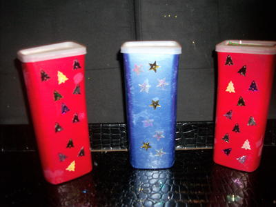 Simple Painted Christmas Containers_2