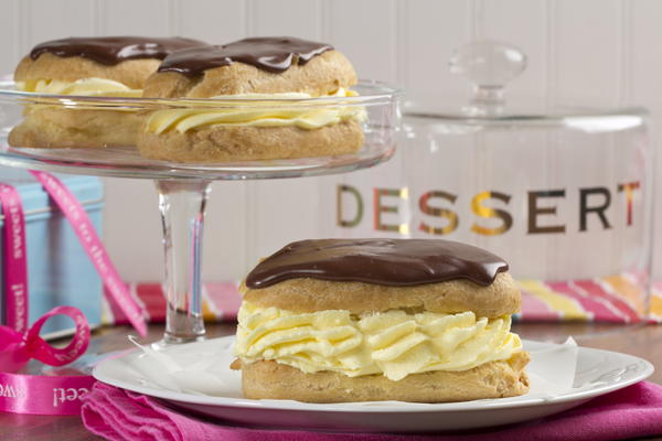 Bakery Style Eclairs