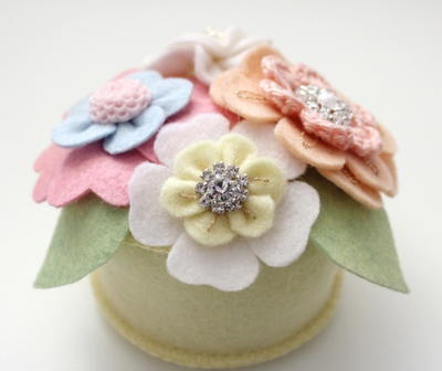 Pretty Posy Pincushion