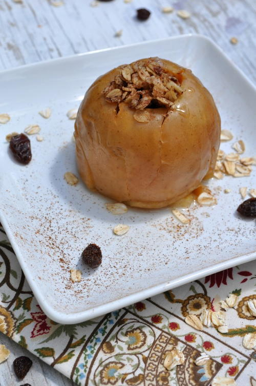 Slow Cooker Oatmeal Raisin Baked Apples