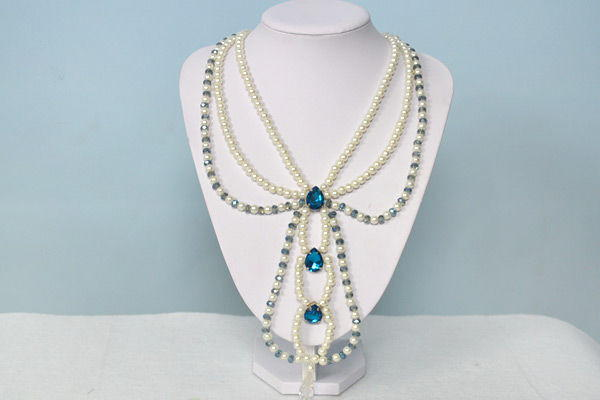 Snow and Shadows Beaded Pearl Necklace
