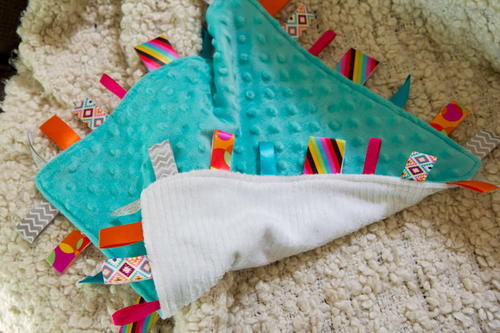 Loveable DIY Tag Blanket