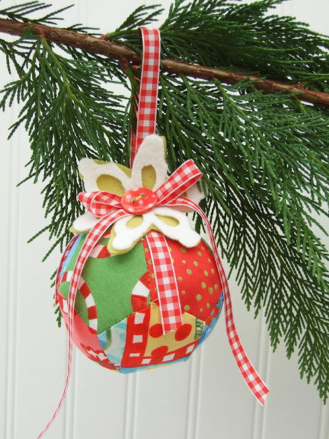 Scrappy Pentagons Christmas Bauble Allfreesewing Com