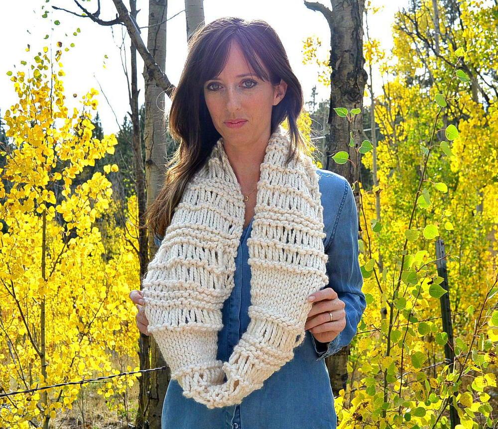 21 free knit scarf patterns using bulky yarn favecrafts com