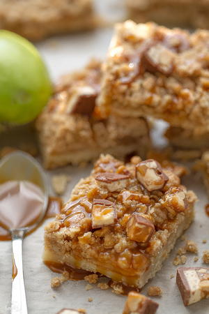 Best Snickers Caramel Apple Pie Bars