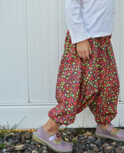 b0b35f43187 Harem Pants Pattern | AllFreeSewing.com