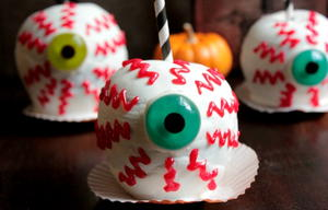 Eerie Chocolate Caramel Apple Eyeballs