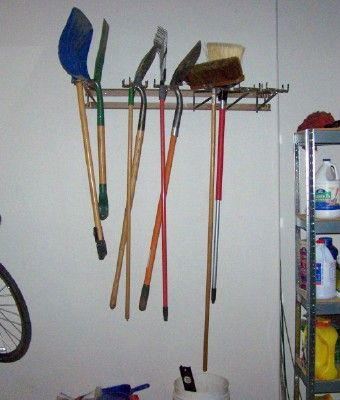 Versatile Space-Saving Garden Tools Rack