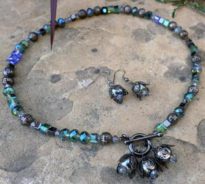 Night Flowers Necklace and Earring Set