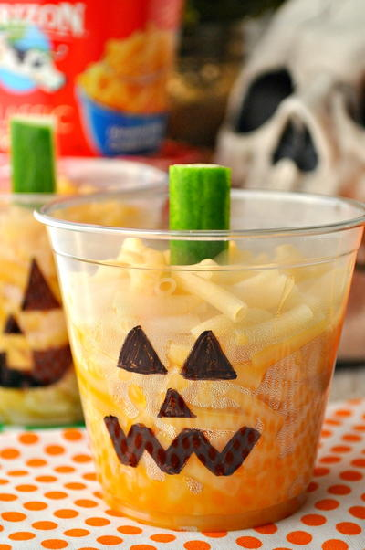 Easy Jack-O-Lantern Mac & Cheese Cups