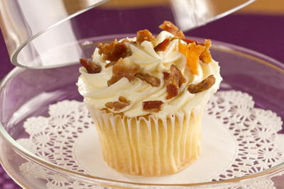 Vanilla Cupcakes with Bacon