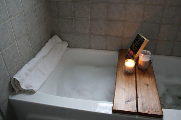 Diy Wood Bath Caddy Diyideacenter Com