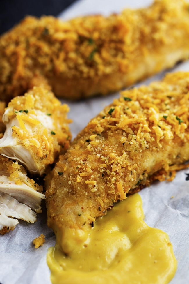 Baked Garlic Cheddar Chicken Strips | RecipeLion.com