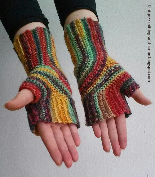 U-Turn Fingerless Mitts