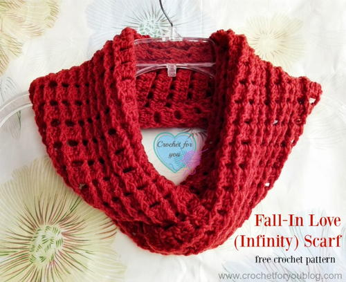 Fall In Love Crochet Infinity Scarf Pattern