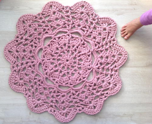 Lacy Doily T Shirt Yarn Rug Favecrafts Com