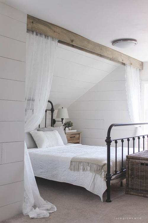 Wood Beam and Lace Canopy Curtains & Wood Beam and Lace Canopy Curtains | DIYIdeaCenter.com