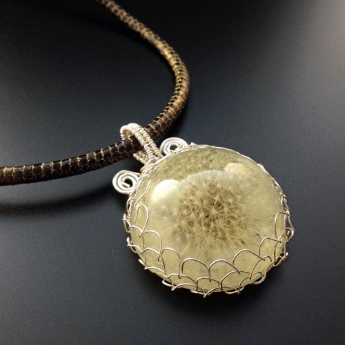 how to make and wire wrap a dandelion cabochon pendant