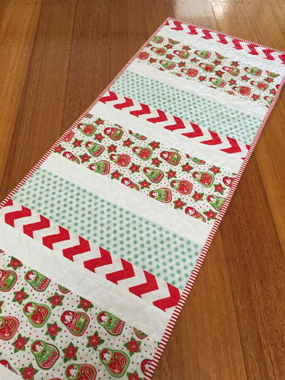 Quilting Patterns For Christmas Table Runners : Candy Cane Christmas Table Runner FaveQuilts.com