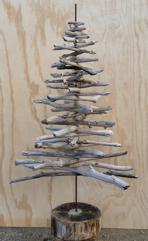 Driftwood Christmas Tree Craft
