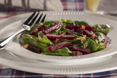 EDR Beet the Clock Spinach Salad