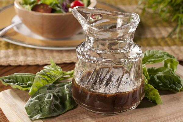 Basil-Dijon Balsamic Vinaigrette | EverydayDiabeticRecipes.com