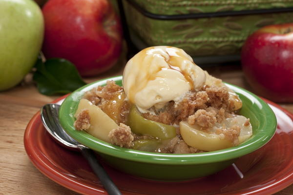 Fresh Apple Crumb Bake