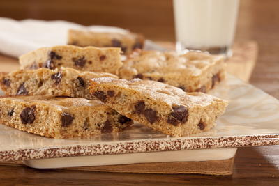 EDR Chocolate Chip Blondies