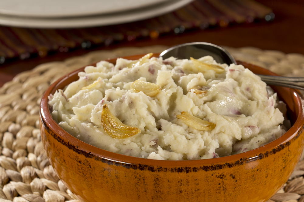 Creamy Garlic Mashed Potatoes | EverydayDiabeticRecipes.com