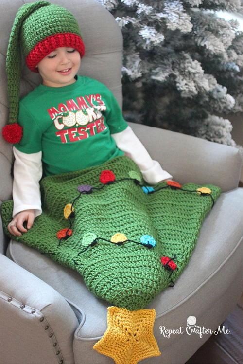 Crochet Christmas Tree Blanket Tail  Allfreecrochetcom-2311