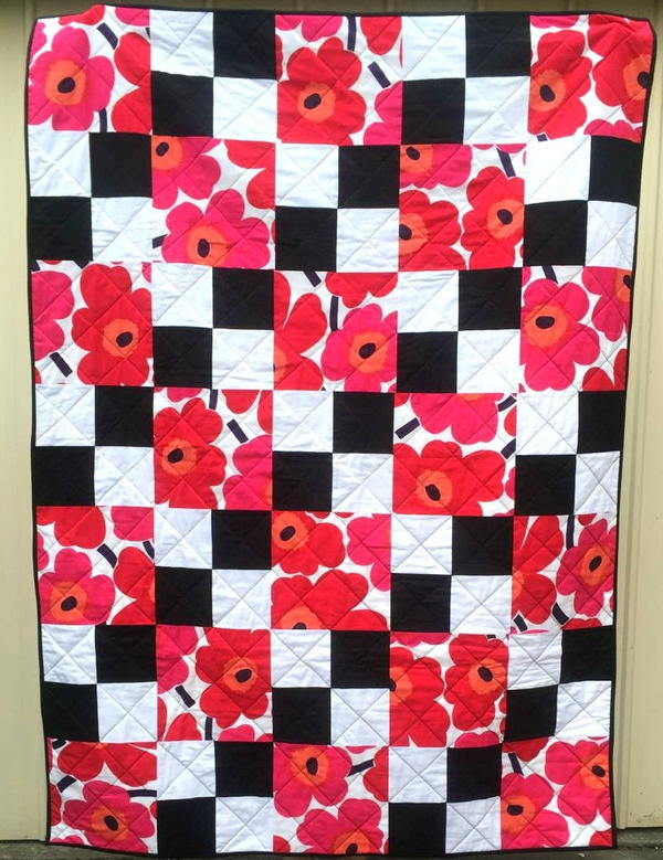 Flowers on the Checkerboard Quilt Pattern