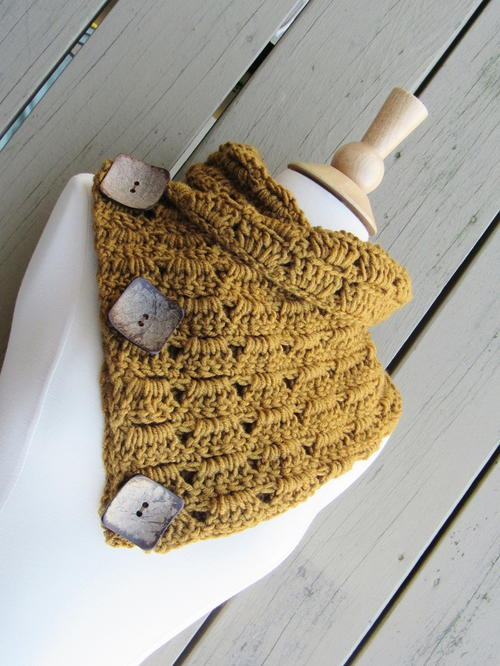 Alice Button Cowl