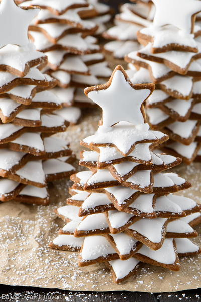 40+ Simple Recipes for Your Christmas Cookie Exchange