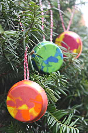 Crayon-Berry DIY Ornament