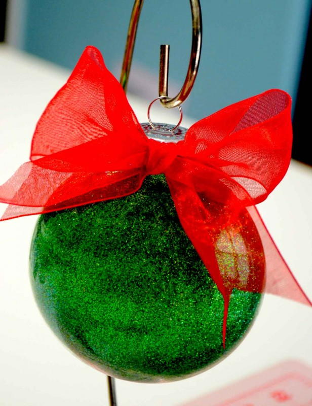 Unexpectedly Easy Glitter DIY Ornaments