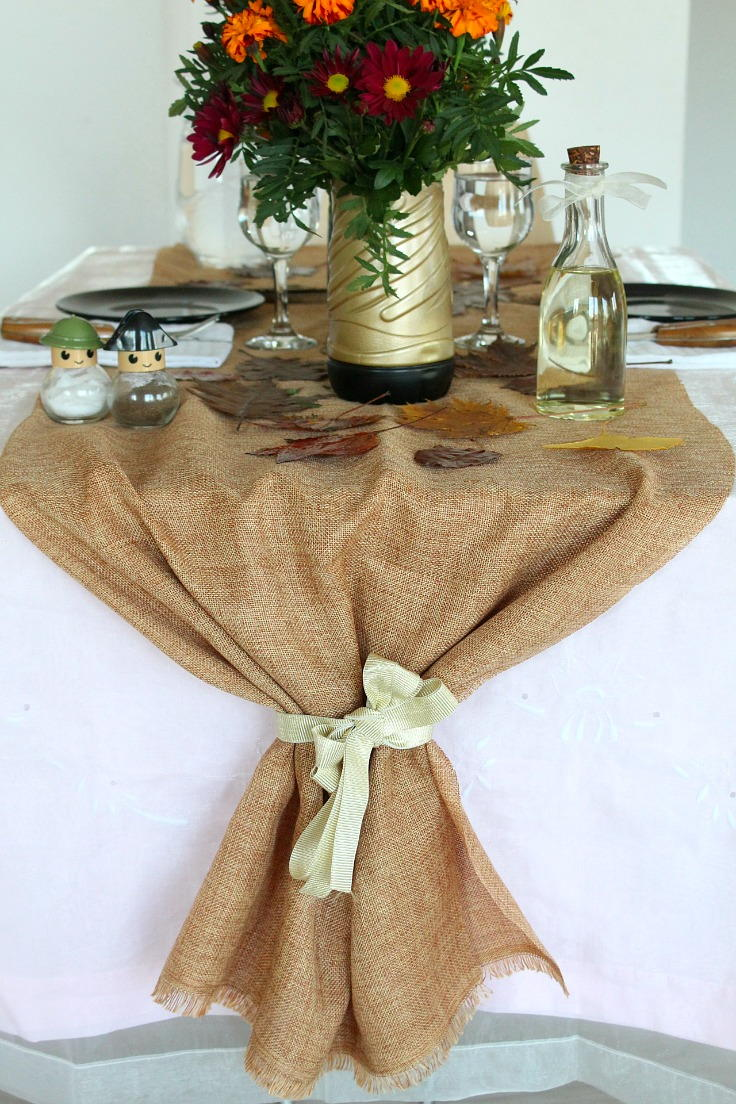 Diy thanksgiving burlap table runner Thanksgiving table decorations homemade