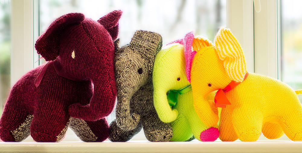 Easy Elephant Knitting Pattern : Skanda Vale Hospice Knitted Elephant AllFreeKnitting.com