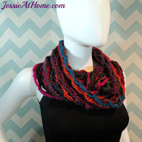 Nettie's Super Simple Crochet Cowl