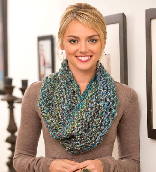 Seriously Amazing Crochet Cowl