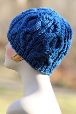 Free Knitting Patterns For Worsted Weight Yarn : Blueberry Banded Cable Beanie AllFreeKnitting.com