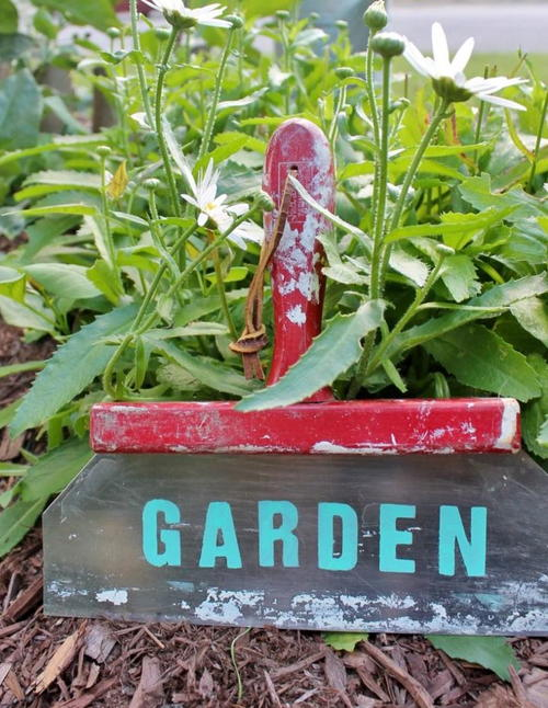 Upcycled Garden Tool Sign