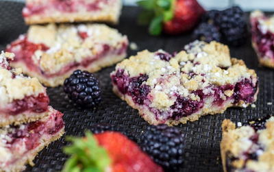Totally Delicious Berry Crumble