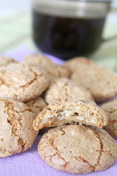 Easy Almond Macaroons
